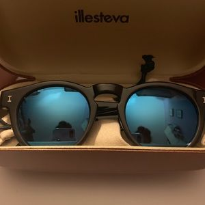 Illesteva Sunglasses Half Half Grey Blue Mirrored